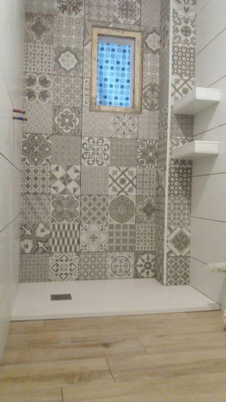 Estantes de obra en la ducha - Serveis Guinardo 9dc57924f757